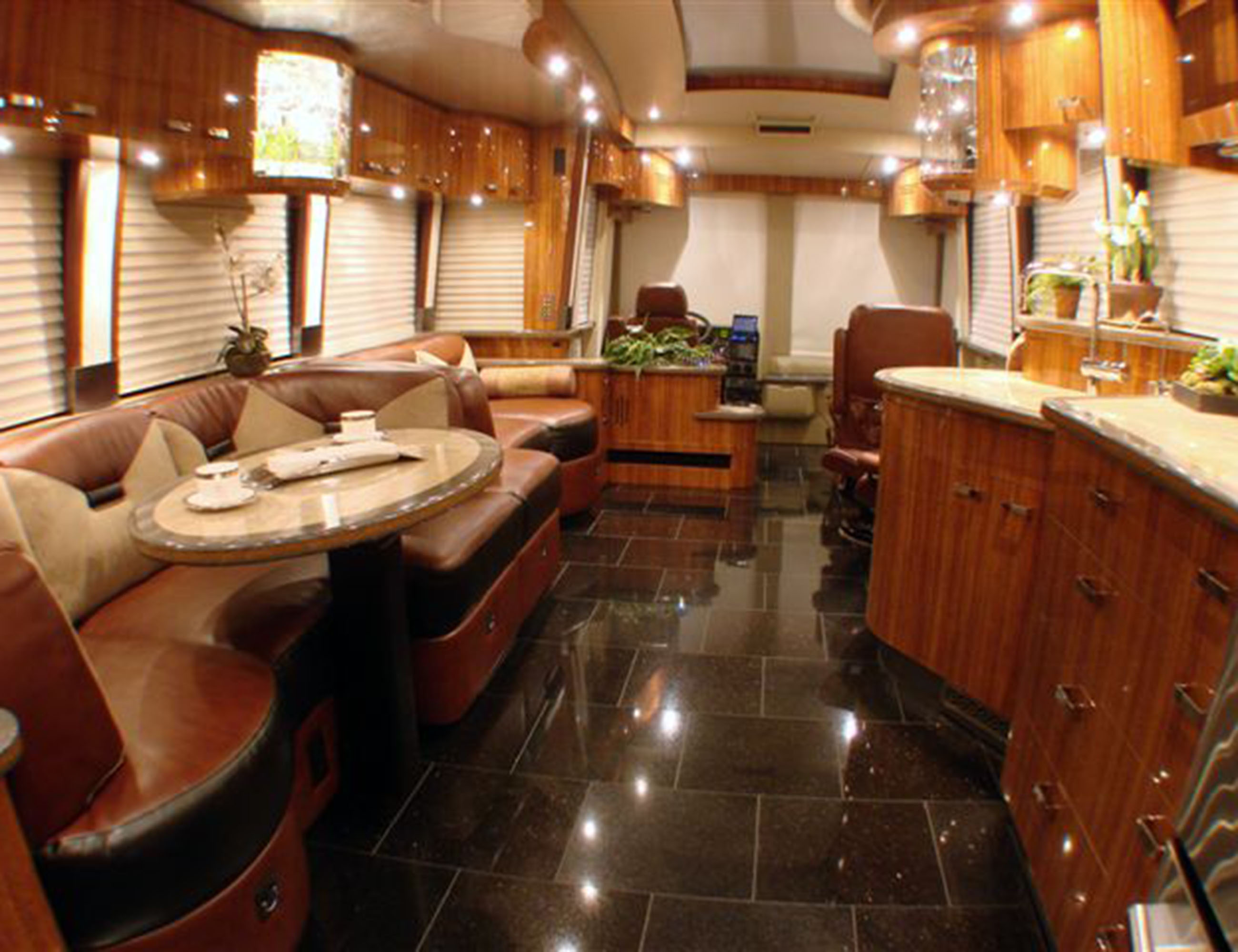 Custom Coach Interior_002